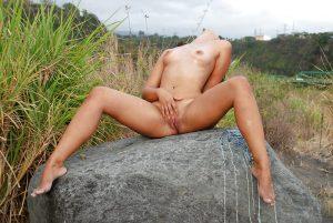 plan-cul-sodomie-hard-une-femme-beurette-sexy-du-73